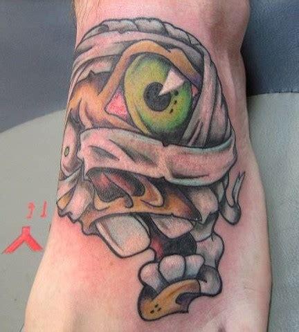 cartoon tattoos new new school skull google search skulls pinterest