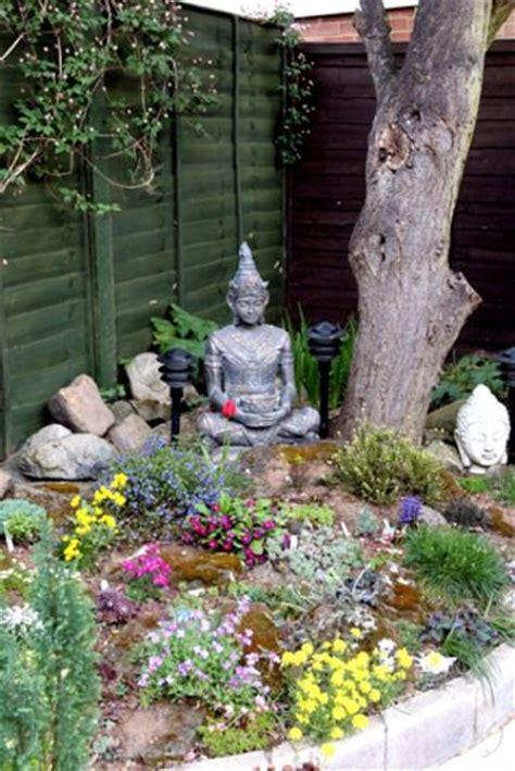 Buddha Garden Decor Best 25 Buddha Garden Ideas On Pinterest Buddah Statue