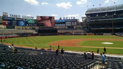 yankee stadium section 125 could it be any better yankee stadium section 123 review