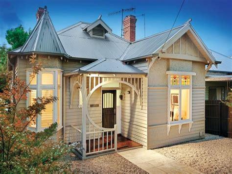 Corrugated Iron Edwardian House Exterior With Bay Windows