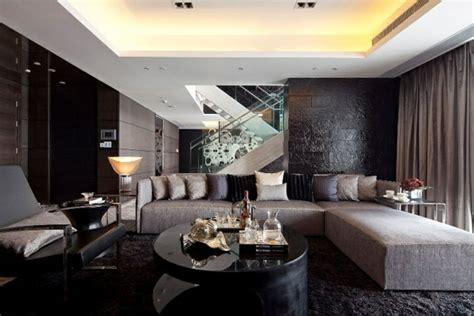 wohnzimmer luxus luxus wohnzimmer dunkle farben graues sofa dekokissen