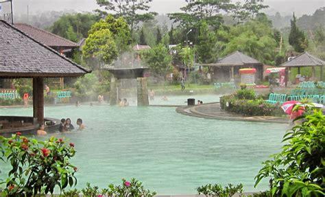 Air 2 Di Bandung 10 tempat wisata di bandung yang menarik untuk anda kunjungi bersama keluarga wisatamu