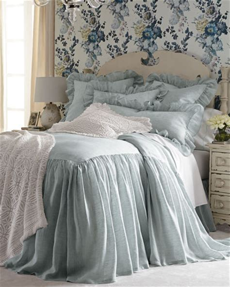 skirted coverlet quilts coverlets matelasse coverlets king quilts at