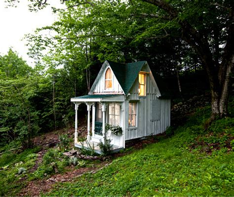 tiny house victorian gypsymade teeny tiny victorian house