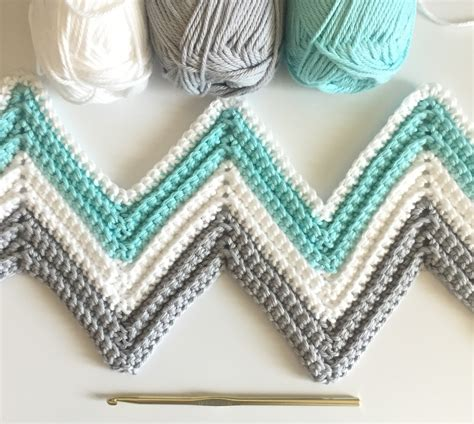 crochet crafts farm crafts single crochet chevron blanket in mint