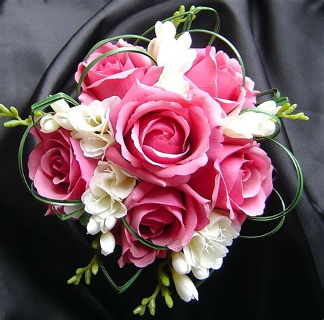 wedding flower arrangements roses wedding flowers light pink wedding roses
