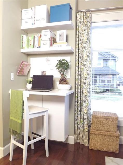Built In Corner Desk Ideas I This Diy Quot Floating Quot Desk The Bottom Is Made From A Cut Cabinet Diy Decor