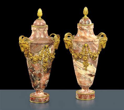 vasi in marmo coppia di vasi napoleone iii in marmo e bronzi xix secolo