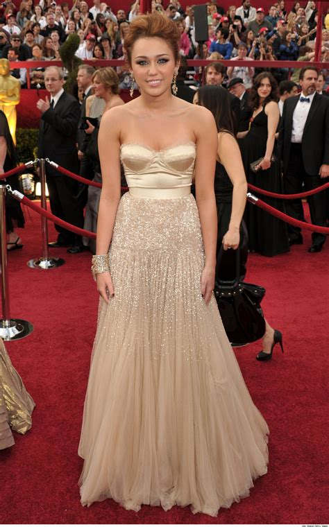 Oscars Carpet Miley Cyrus by Luxury Photos And Articles Stylelist