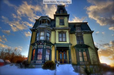 haunted house in gardner ma they re selling this 1875 mansion for nearly nothing when i saw why i got chills