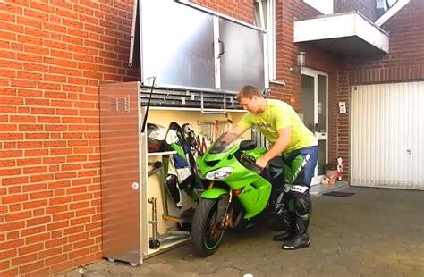 Garage Für Motorrad Selber Bauen by Ces Trucs Qui N Existent Qu En Allemagne Die Motorradgarage