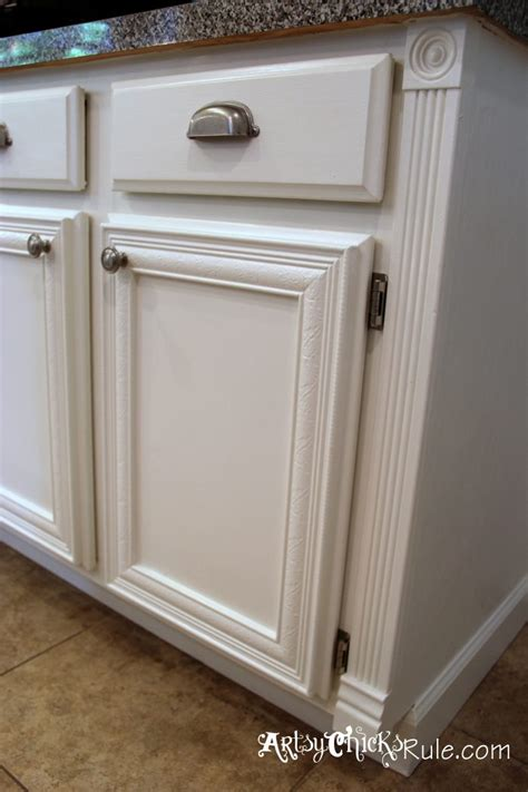 Annie Sloan Chalk Painted Kitchen Cabinets | we had to do a little more handiwork to get the