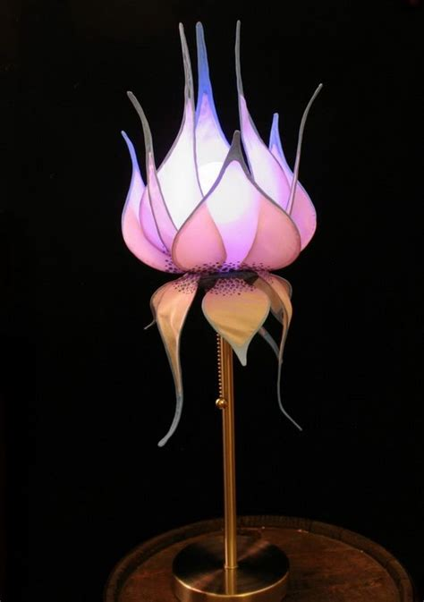 How To Make Flower Paper Lanterns - 25 best ideas about paper lotus on crepe