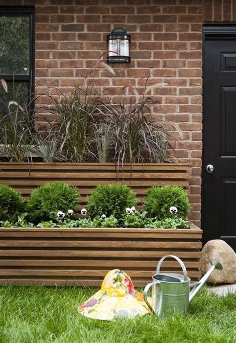 Planter Box In Front Of House by Photo Gallery Front Yards With Curb Appeal