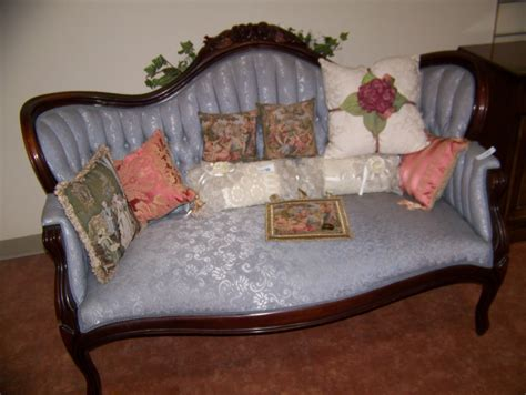 antique style couch antique victorian style sofa