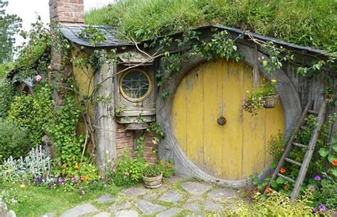 for the home on hobbit houses hobbit and tree bed