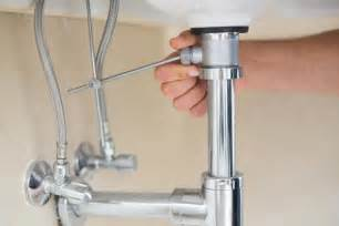 How To Fix A Leaking Bathtub Faucet How To Fix A Bathtub Or Sink Pop Up Stopper