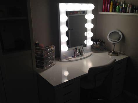 Broadway Lighted Vanity Makeup Desk by Broadway Makeup Mirrors With Lights Saubhaya Makeup