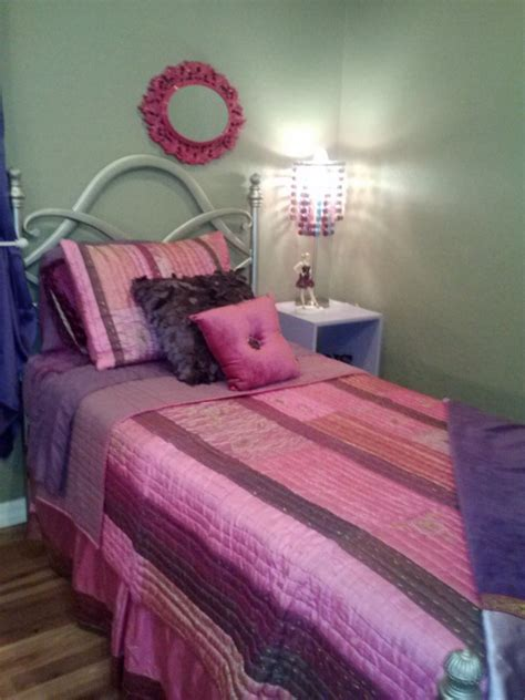 tween bedroom furniture tween bedroom set includes everything needed