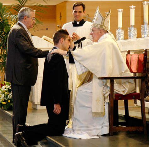 imagen de iglesia adornada para confirmacin la confirmaci 211 n es un sacramento por el que los