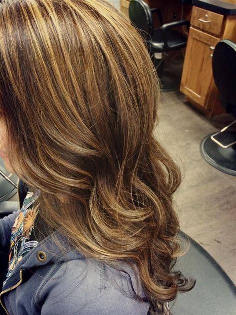 light brown hair with caramel highlights on african americans brown hair with caramel highlights long hair curls beauty
