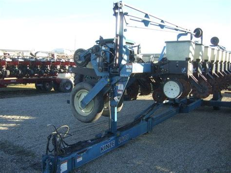 Kinze 2600 Planter For Sale by Kinze 2600 For Sale Assumption Il Price 17 900 Year