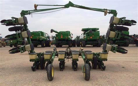Deere 7100 Planter by Wisconsin Ag Connection Deere 7100 Row Crop