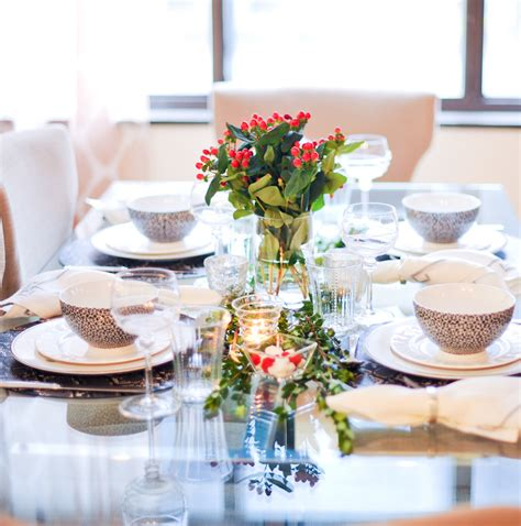 host a holiday dinner party fashionable hostess