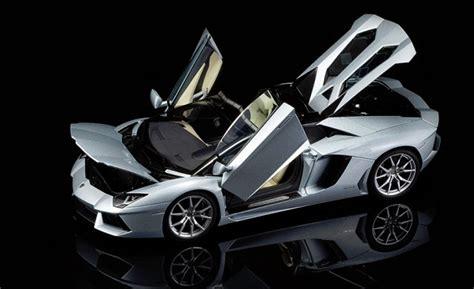 lamborghini aventador lp700 4 roadster autoart review autoart lamborghini aventador lp700 4 roadster diecastsociety com