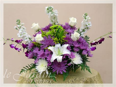 centerpiece arrangements wedding florist palm wedding flowers by le jardin