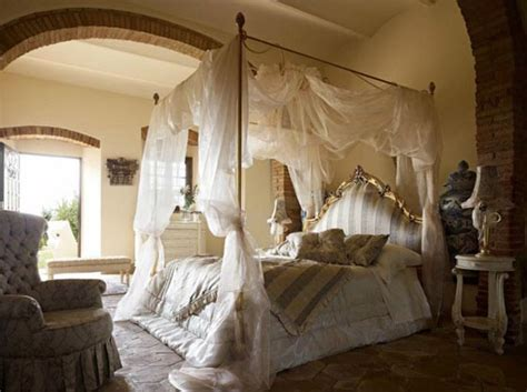beautiful bedroom decorated  canopy beds design swan