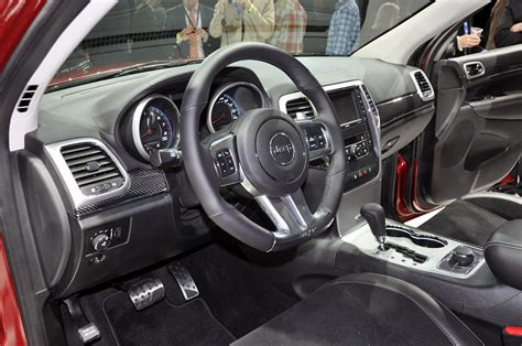 jeep grand interior jeep grand cherokee srt8 2012 taringa