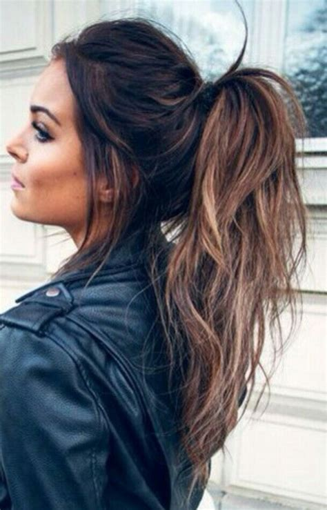 a hair style that i can still tie up balayage messy ponytail gorgeoushair hair pinterest