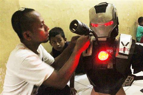 membuat robot battle yudi mengolah limbah jadi kostum robot quot war machine