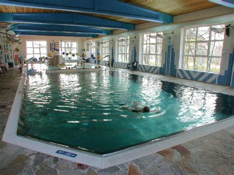 Kleines Bad Wuhlheide kleine schwimmhalle wuhlheide hallenbad in berlin