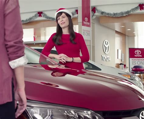 who is buick actress on beach beach girl in buick commercial newhairstylesformen2014 com