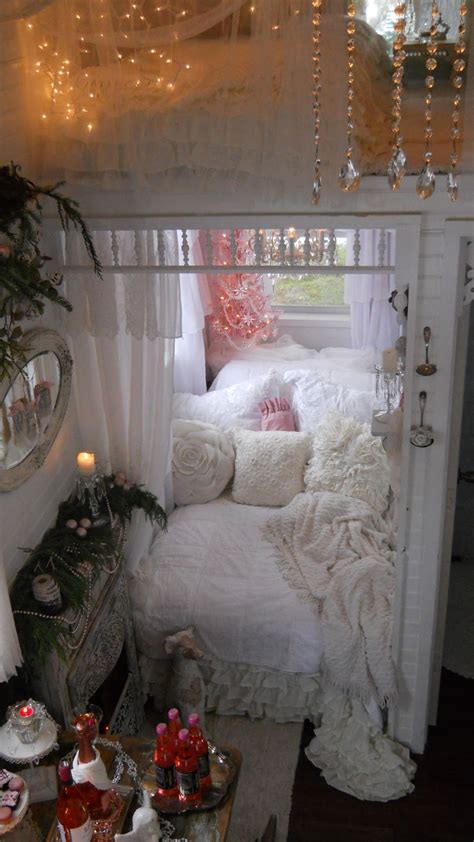 shabby chic tiny house shabby chic tiny retreat my tiny house 2012