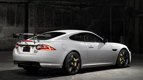 white jaguar car wallpaper hd white jaguar car wallpaper high definition cars hd wallpaper