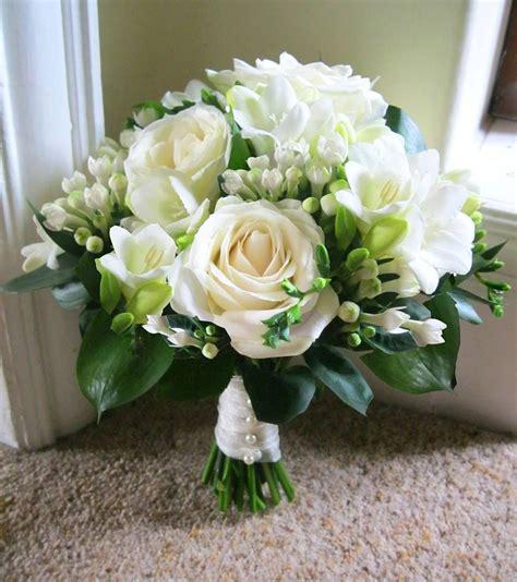 Bridal Florist by Wedding Flowers Ivory Wedding Flowers