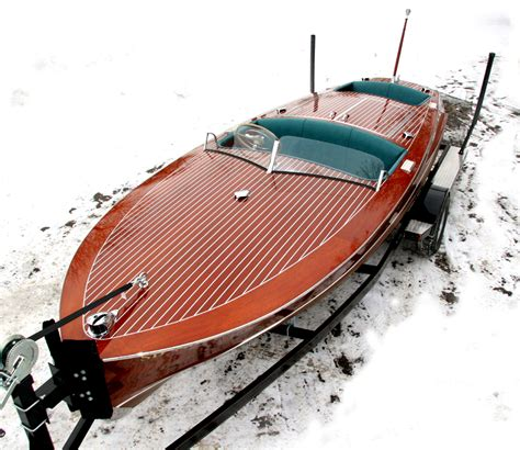 runabout boat pictures runabout boats racing pictures to pin on pinterest pinsdaddy