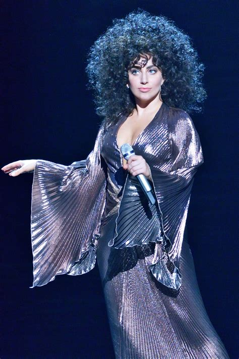 lady gaga tony bennett perform cheek to cheek on the great performances tony bennett lady gaga cheek to
