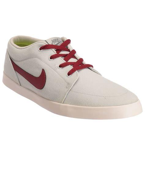 nike white sneaker shoes buy nike white sneaker shoes