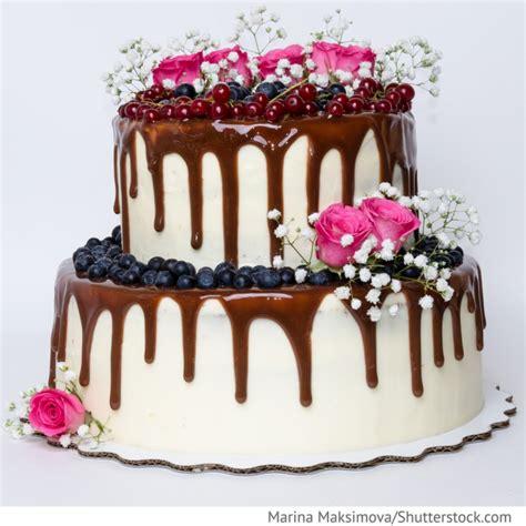 Hochzeitstorte Schokolade by Hochzeitstorte Mit Schokolade Und Beeren Hochzeitsideen