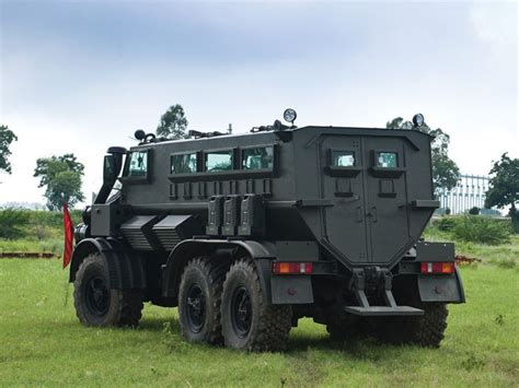 mahindra army vehicles best 25 armored vehicles ideas on armored