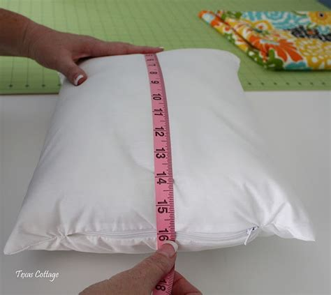 pattern for envelope style cushion cover envelope style pillow cover tutorial sewing pinterest