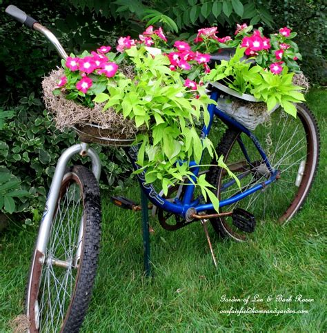 Bicycle Garden Planter by 25 Loving Garden Ideas By Upcycling Household