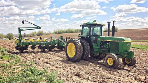 new planter the beast has arrived deere 1760 12