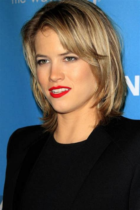 short blonde layered haircut pictures 50 trendiest short blonde hairstyles and haircuts
