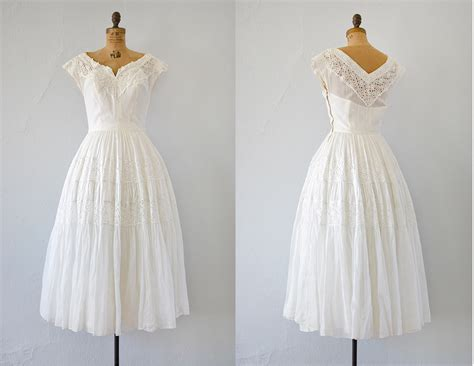 Vintage Wedding Dresses 1940 S by 1940s Wedding Fashion Trends Wedding Dress Inspiration