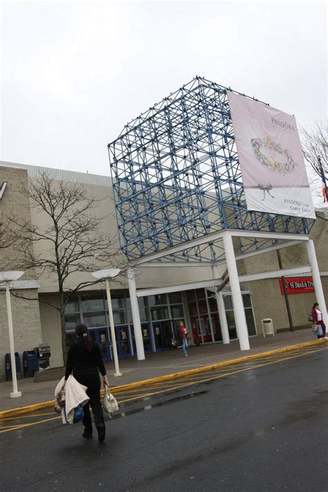 staten island mall hosts family fun night silivecom